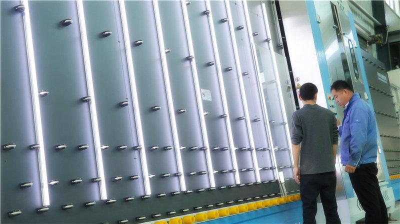 调试设备生产品质玻璃